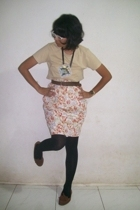 brown shoes - black tights - beige t-shirt - brown belt - floral skirt