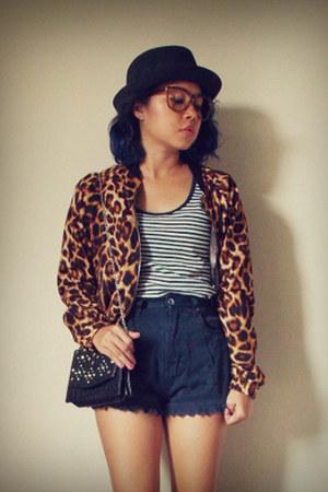 black fedora unbranded hat - tawny leopard print unbranded jacket