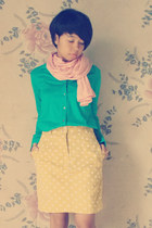 turquoise blue shirt - peach scarf - light yellow skirt