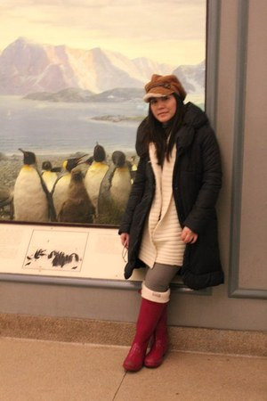 Hunter boots - Tahari coat - Ugg hat - Victorias Secret sweater - Hunter socks