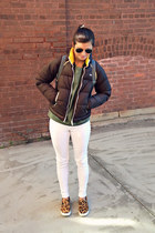 white HUE leggings - brown yellow Le Tigre jacket