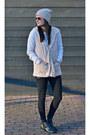 Printed-heel-aldo-boots-beige-beanie-neff-hat-white-forever-21-sweater