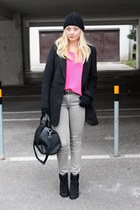 H&M jeans - asos boots - New Yorker coat - vintage top - beanie H&M accessories