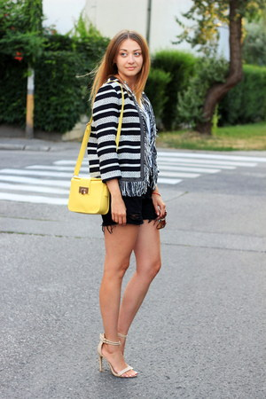 Bershka blazer - DressLink shorts - Newdress sunglasses