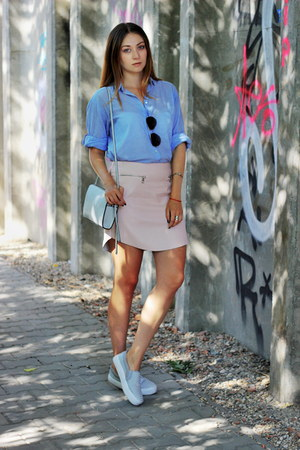 H&M shirt - Kodano sunglasses - New Yorker skirt