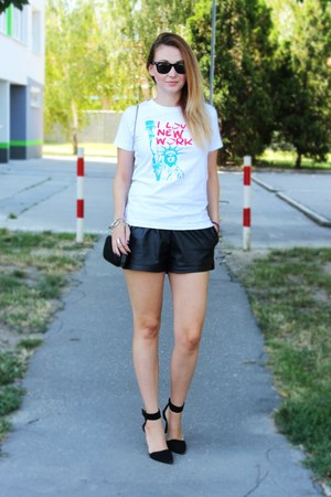 Mesuge t-shirt - Choies shoes - OASAP shorts