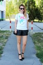 Mesuge t-shirt - Choies shoes - OASAP shorts