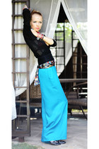 sky blue Marika pants - black blouse