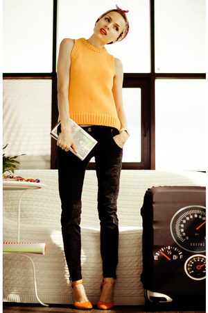 black Zara jeans - carrot orange Zara top - carrot orange Zara necklace