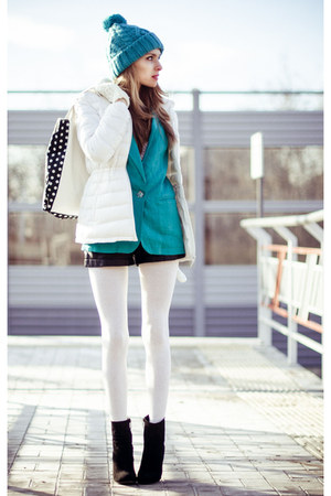 white BeFree jacket - white BeFree gloves