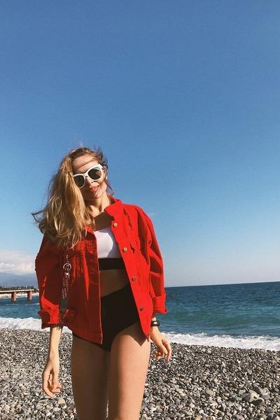 red romwe jacket