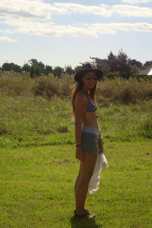 abercrombie and fitch skirt - abercrombie and fitch swimwear - Ray Ban sunglasse