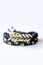 Tinnlily-bracelet