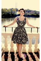 white geometric print calvin klein dress - black thrifted vintage heels