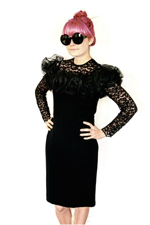 black vintage dress - black vintage sunglasses