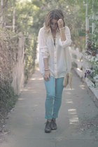 ivory white Dace blouse - sky blue Rag and Bone jeans - beige sienna ray bag