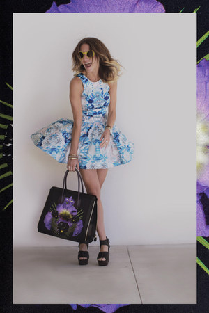 amethyst floral print Givenchy bag - sky blue floral crop cameo skirt