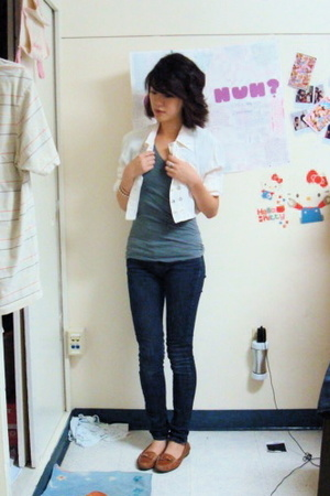 moms jacket - BDG urban outfitters jeans - forever 21 shirt - franco sarto shoes