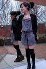 Black-shoes-black-socks-gray-suit-black-blazer-black-scarf-pink-neckla