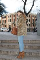 Uterqe boots - Zara coat - Zara jeans - Bimba & Lola bag