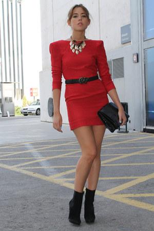 Zara boots - Queens Wardrobe dress - Mango bag - Zara belt - H&M necklace