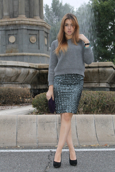 Queens Wardrobe skirt - Zara sweater - Uterqe bag - Zara heels