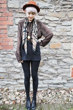 beige patterned vintage scarf - burnt orange Topshop hat