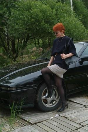 cotton skirt - leather bag - belt - wool jumper - leather heels
