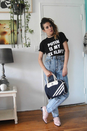 light blue vintage jeans - navy vintage bag Adidas bag