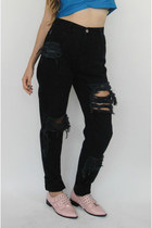 Vintage 90s Black Shredded High-Waisted Boyfriend Jeans -- Size 27