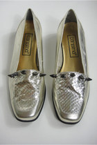 Vintage Spiked Gold Metallic Snakeskin Loafers -- Size 7.5