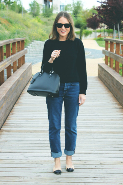 black Louis Vuitton bag - navy MIH Jeans jeans - black ray-ban sunglasses