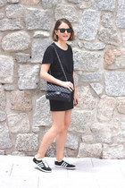 black Chanel bag - black ray-ban sunglasses - black The Kooples skirt
