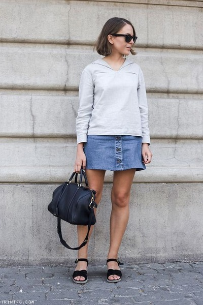 black Ray Ban sunglasses - navy Louis Vuitton bag