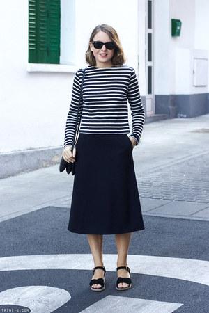 navy Celine bag - black ray-ban sunglasses - navy COS skirt