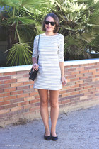 black Chanel bag - ivory Filippa K dress - black ray-ban sunglasses