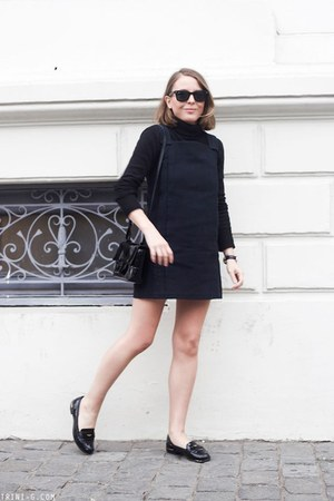 black Miu Miu shoes - navy VANESSA BRUNO dress - black Petit Bateau sweater