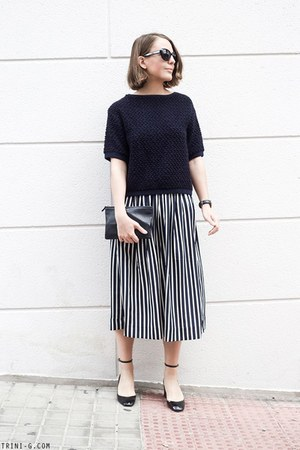 navy JCrew skirt - navy Celine bag - black Marc Jacobs sunglasses