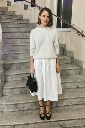 white The Kooples sweater - black Anya Hindmarch bag - white Max Mara skirt