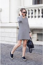 navy APC dress - navy Louis Vuitton bag - black ray-ban sunglasses