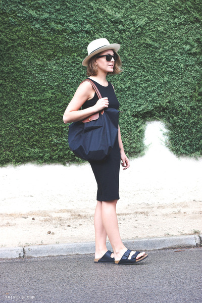 black Gap dress - beige JCrew hat - black longchamp bag