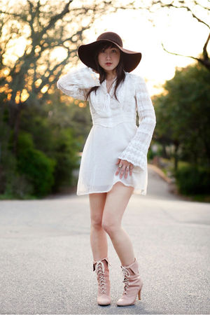 vintage dress - brown hat - pink kimchi & blue boots