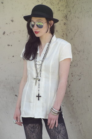 black bowler vintage hat - black rosary Forever 21 necklace - black lace pants -
