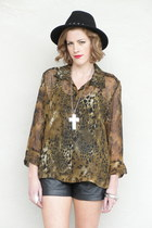 black chain fedora Forever 21 hat - black leather vintage shorts - brown Trashy