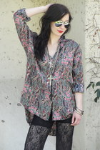 pink Trashy Vintage shirt - silver mirror aviator glasses - black lace flare pan