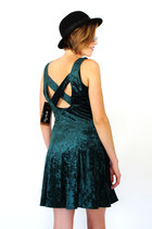 black bowler vintage hat - green criss cross Trashy Vintage dress