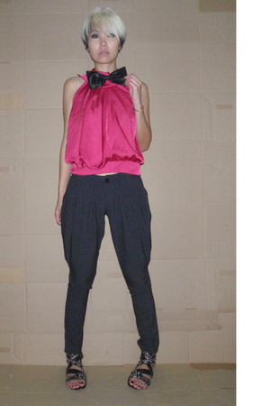 black bow vintage accessories - black studded shoes - gray slouchy pants
