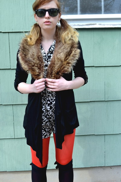 black Eyelash Couture cardigan - red Forever 21 tights