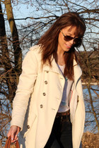 white cashmere Mango coat - bronze wojas boots - navy Madonna jeans