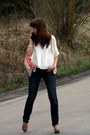 Ivory-river-island-blouse-navy-mango-jeans-light-brown-aldo-heels